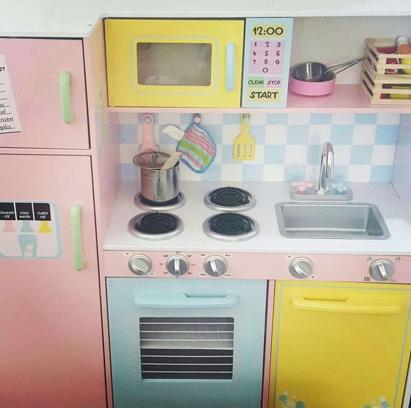The 5 Stages of Assembling a Toy Kitchen